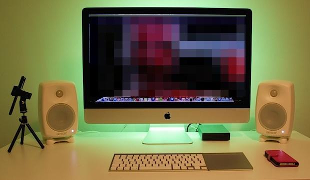 Configuración del escritorio iMac Vlogger con retroiluminación de color LED